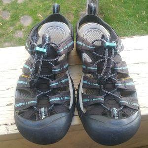 Keen Waterproof Shoes Size 7